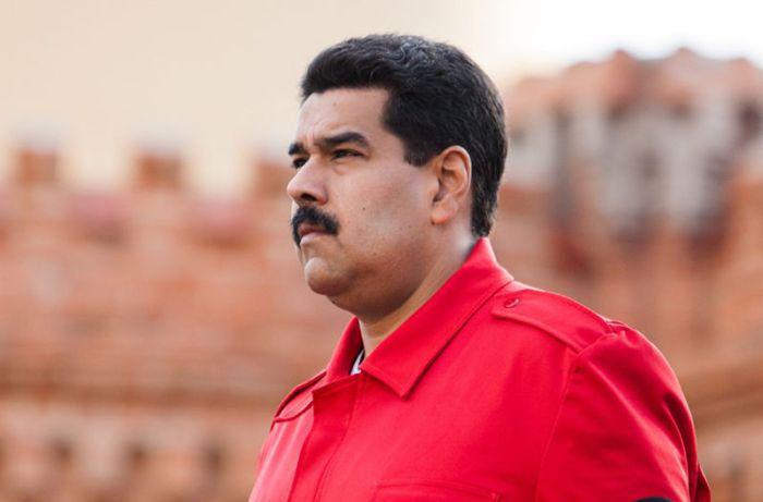 Nicolas-Maduro-Hugo-Chavez-EFE_LNCIMA20140208_0016_54