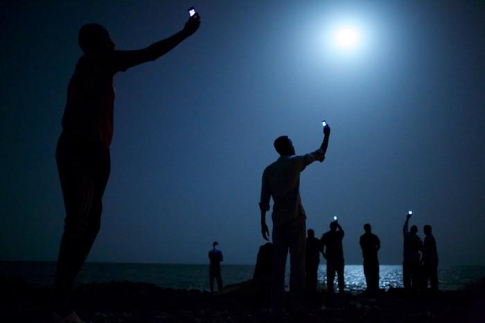 Signal,  John Stanmeyer, 2013. Ganadora del World Press Photo Contest 2014